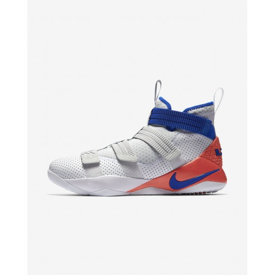 Chaussure de Basket Nike LeBron Soldier XI Femme Blanche/Rouge/Platine/Bleu 897646-101